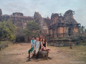Angkor Archaeological Park - Phnom Bakheng group photo 2