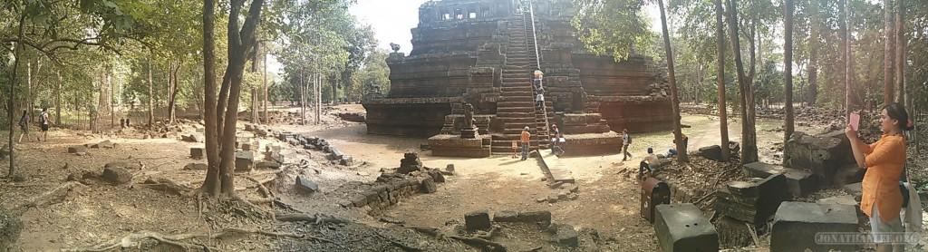Angkor Archaeological Park - panorama Phimeanakas