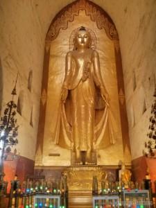 Bagan - Ananda buddha