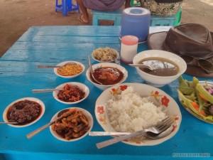Bagan - delicious roadside lunch 1