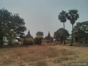 Bagan - forgotten stupa 2