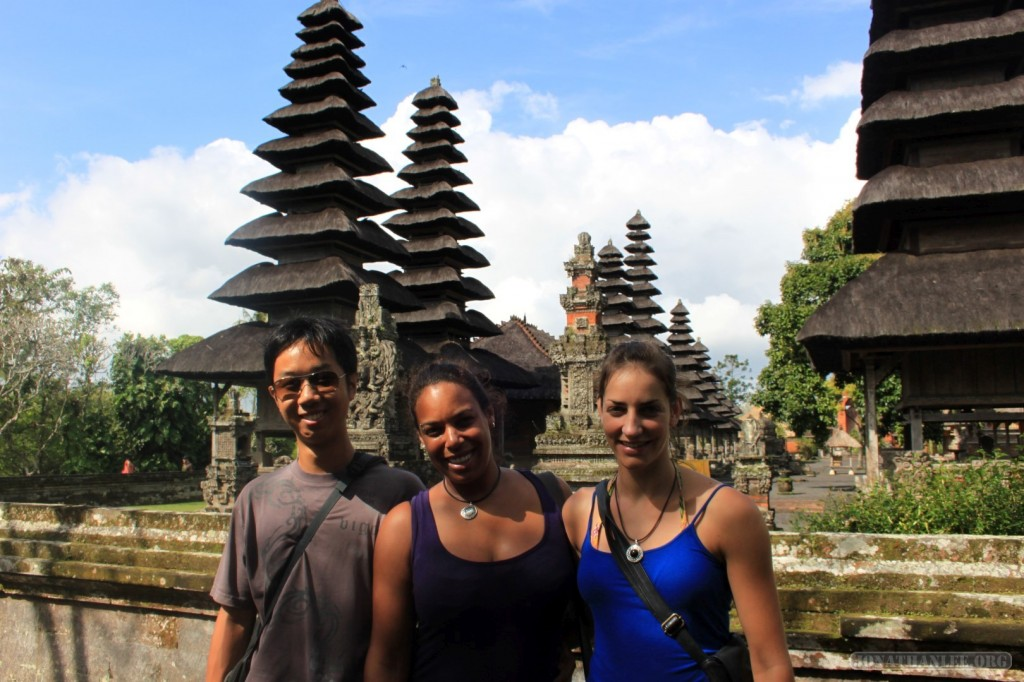 Traveling around Bali - group photo 4