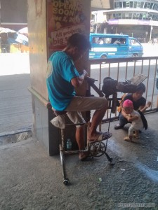 Cebu - mall peddlers foot powered