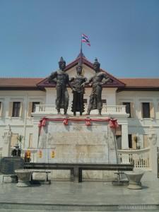 Chiang Mai - 3 kings statue 2