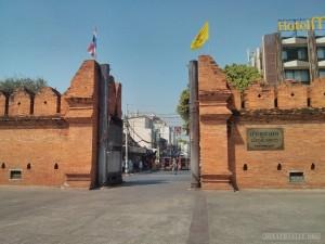 Chiang Mai - Tha Phae east gate