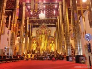 Chiang Mai - Wat Chedi Luang inside