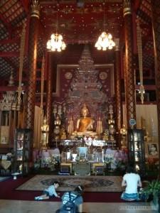Chiang Mai - Wat Chiang Mon inside
