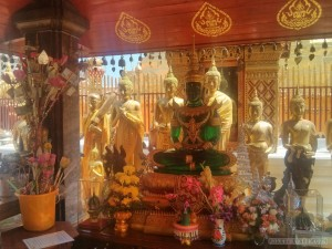 Chiang Mai - Wat Doi Suthep buddha 2
