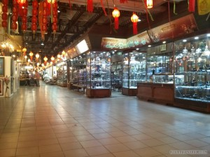 Chiang Mai - night bazaar shops