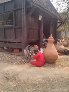 Chiang Rai - black house artisan 1