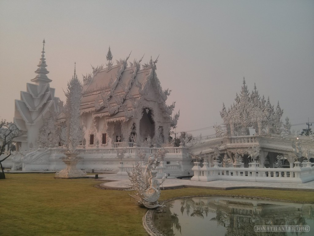Chiang Rai - white temple 4