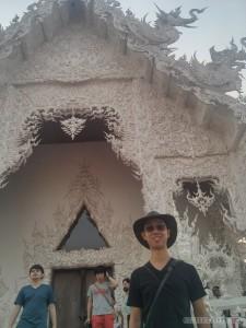 Chiang Rai - white temple portrait 2