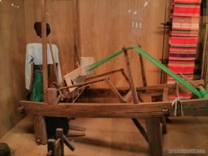 Hanoi - Ethnology museum loom