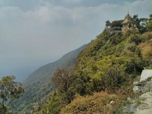 Kampot - Bokor mountain view wat 1