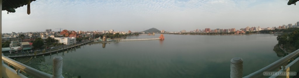 Kaohsiung - panorama lotus pond 3