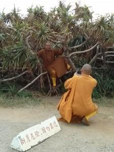 Kenting - Maobitou monks