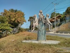 Kep - monkey statue