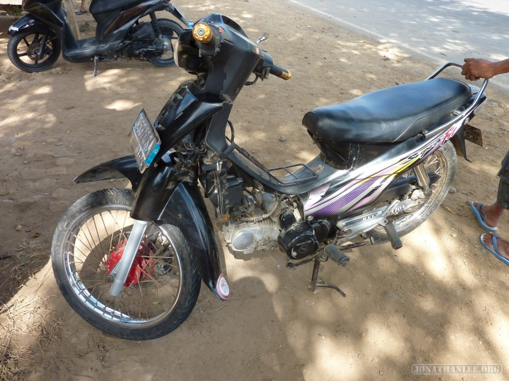 Lombok scooter accident - other bike
