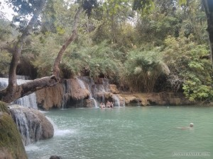 Luang Prabang - Kuang Si waterfall swimming
