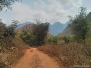 Mai Chau - hiking path 2