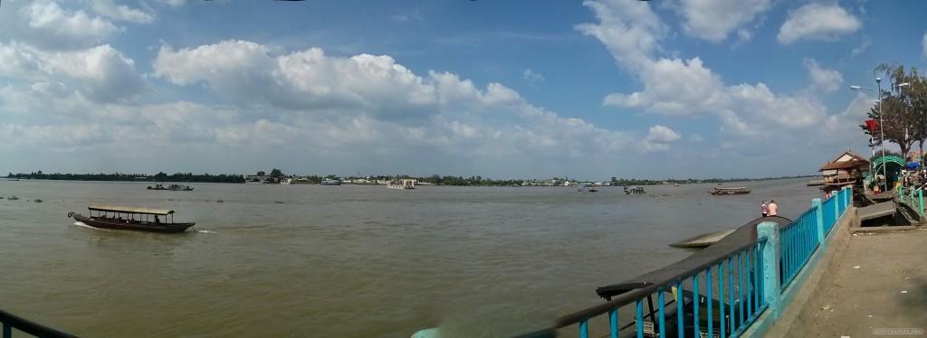 Mekong delta - panorama Mekong river