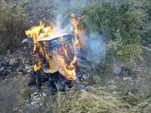 Mount Rinjani - burning trash 1