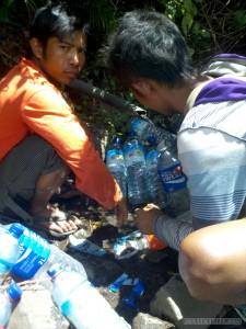 Mount Rinjani - water bottle filling