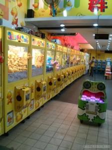 Night Market - crane games