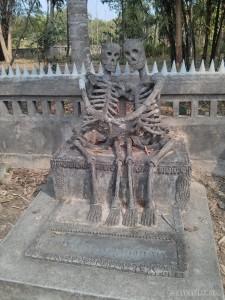 Nong Khai - Sala Keoku 22 together in death