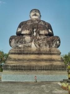 Nong Khai - Sala Keoku 33 fattest buddha
