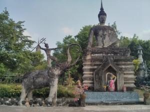 Nong Khai - Sala Keoku 37 man on elephant slaying buddha