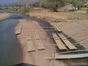 Pai bridge bamboo raft