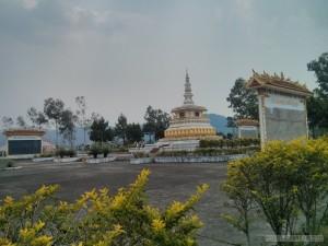 Phonsavan - Laos war memorial