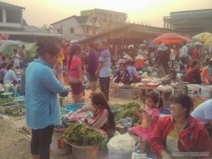 Phonsavan - local market