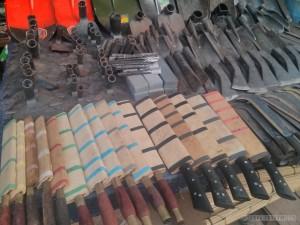 Phonsavan - local market knives