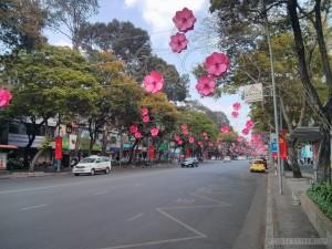 Saigon - festive streets 2