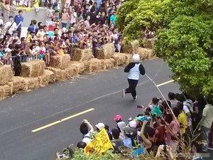 Soapbox race - running down the track