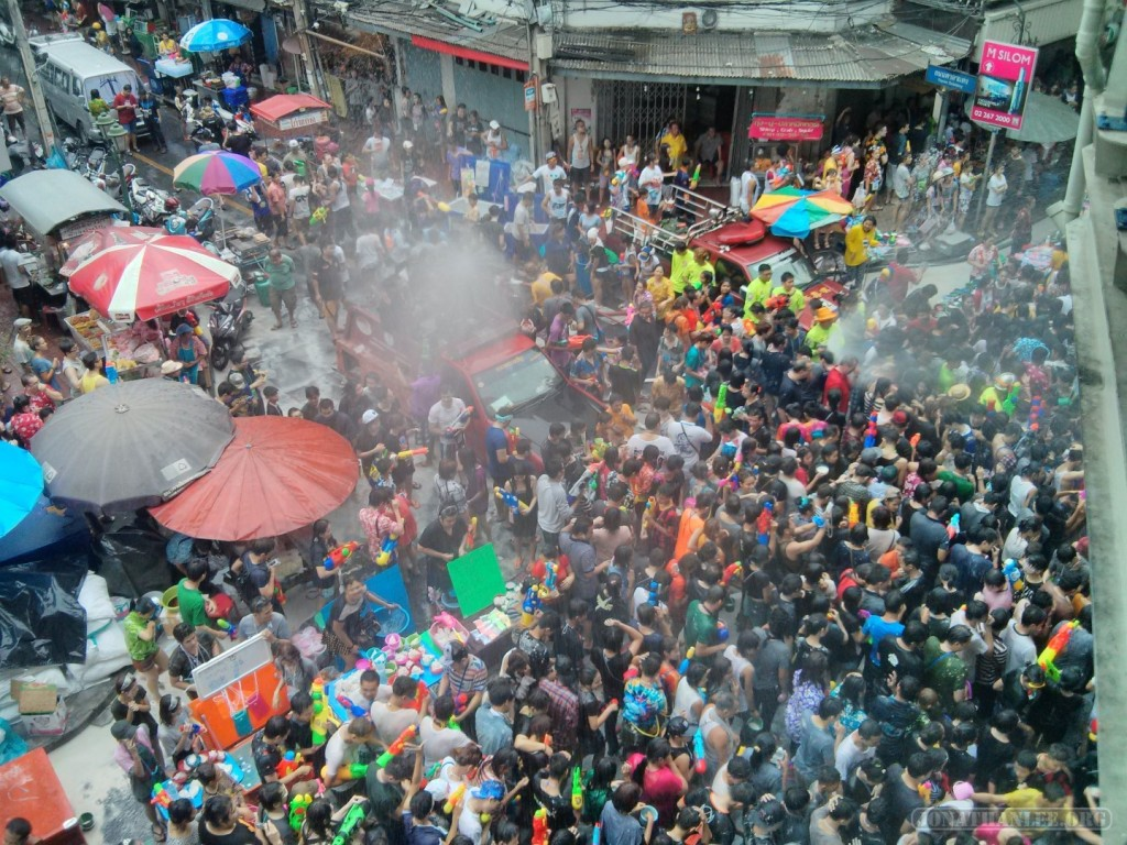 Songkran in Bangkok - Silom from above 12