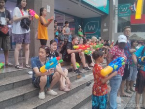 Songkran in Bangkok - Silom taking break