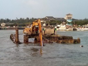 Taipei - Tamsui fishermans wharf dredging