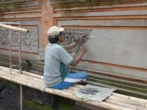 Ubud - Balinese stone carving