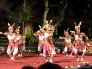 Ubud - rabbit dance