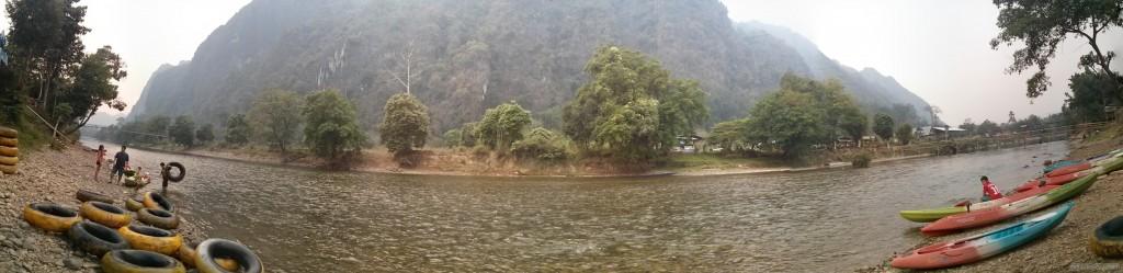 Vang Vieng - panorama tubing 3