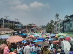 Yangon - Shwedagon pagoda east market