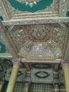 Yangon - Shwedagon pagoda fancy ceiling