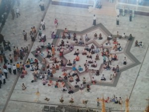 Yangon - Shwedagon pagoda photo gallery point of victory