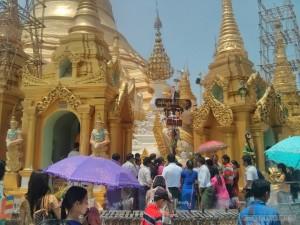 Yangon - Shwedagon pagoda sunday buddha